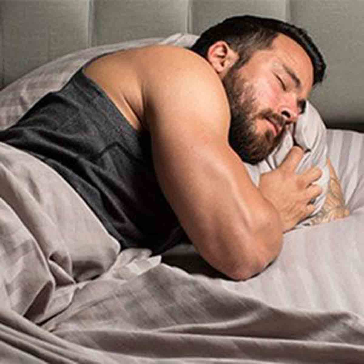 5 Ways to Make Your Fat Burner More Effective, Muscle Man Sleeping