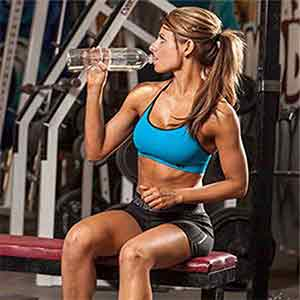 5 Ways to Make Your Fat Burner More Effective, Woman Drinking